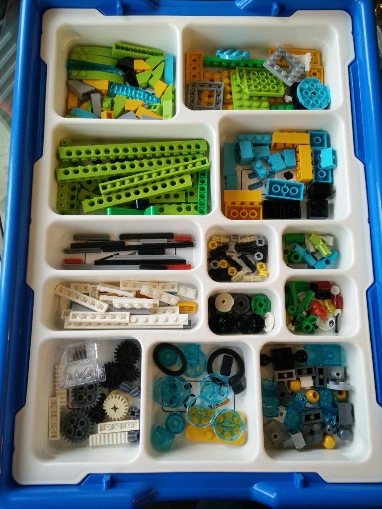 wedo-2-0-sorted LEGO WeDo 2.0 STEM Robotics Kit Introduction